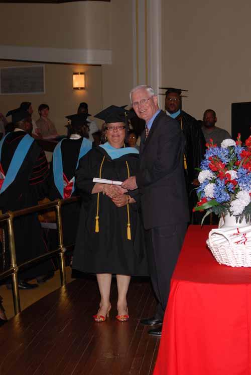 may-2011-graduation-0013