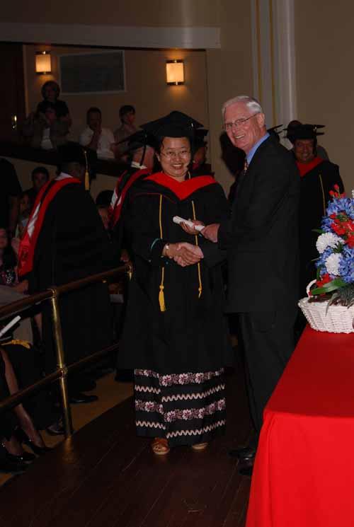 may-2011-graduation-0070
