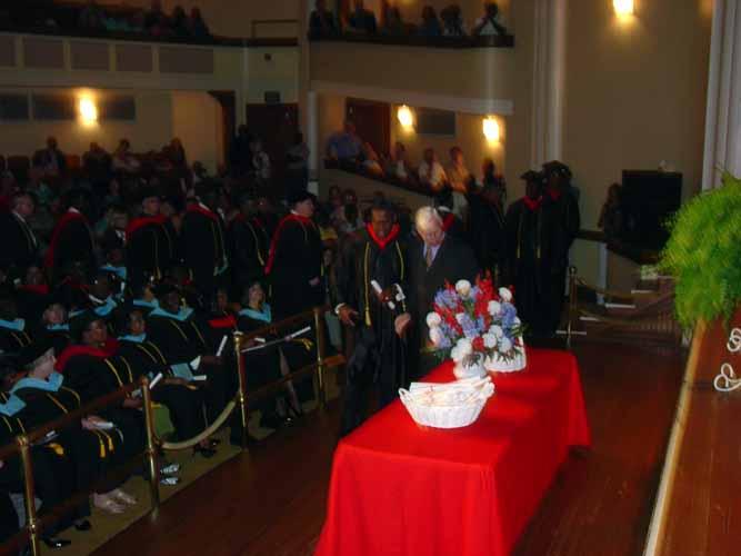 may-2011-graduation-1663