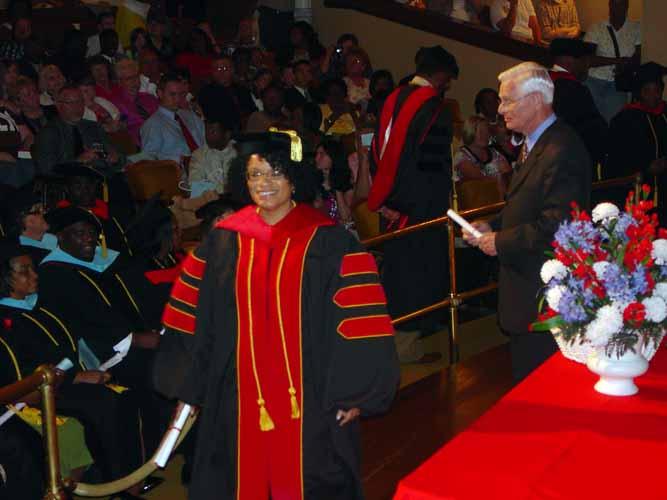 may-2011-graduation-1671