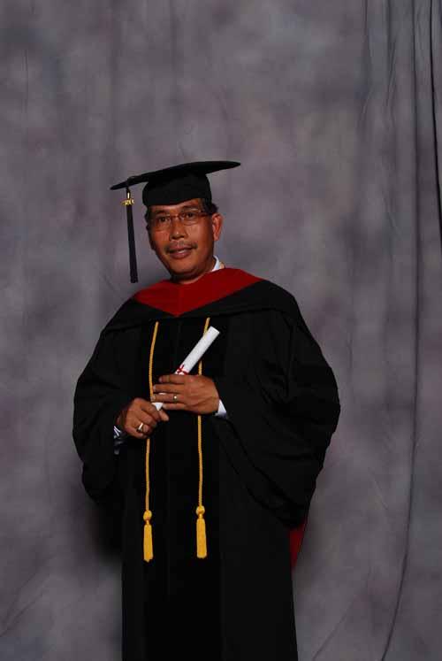 may-2011-graduation-3316