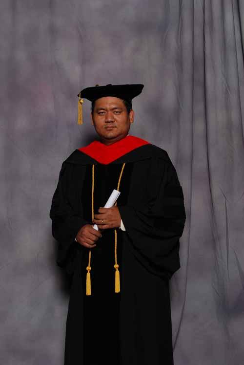 may-2011-graduation-3396