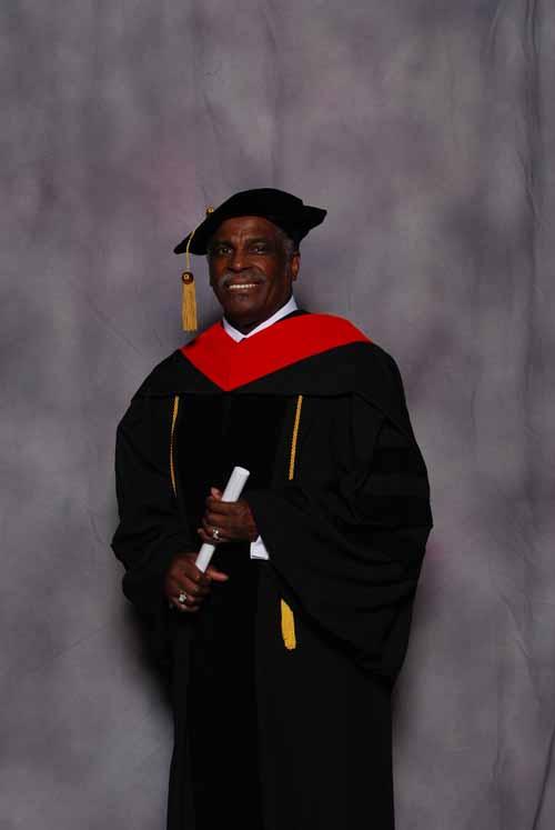 may-2011-graduation-3399