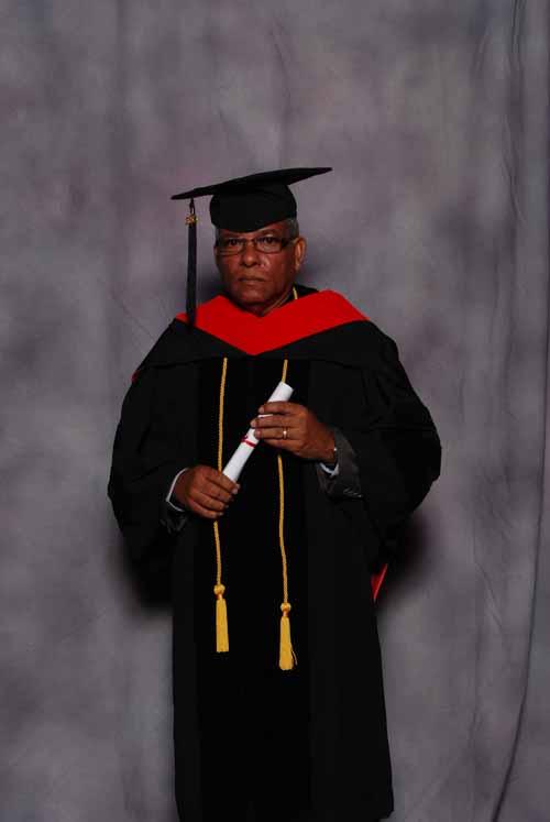 may-2011-graduation-3405